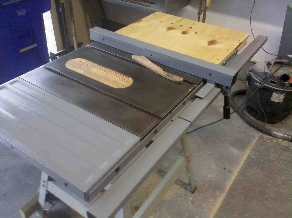 Add side extensions to table saw
